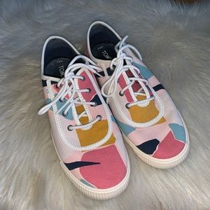 Toms canvas sneakers bright lace up size 8.5